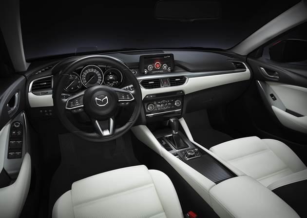 2017 Mazda6'nın kabin tasarımı