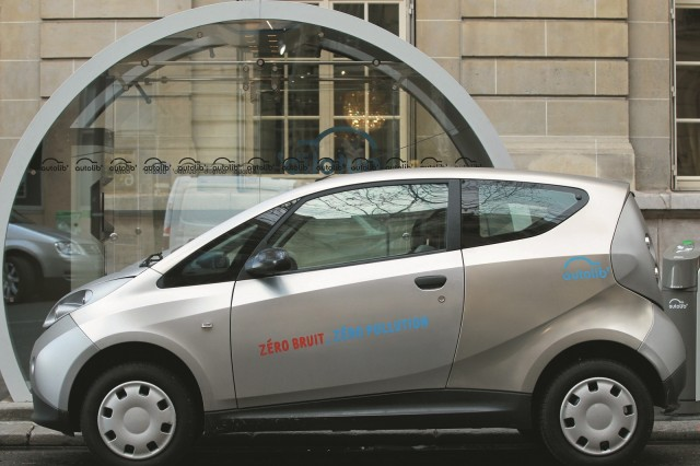Bollore'nin Paris'teki araçlarından biri