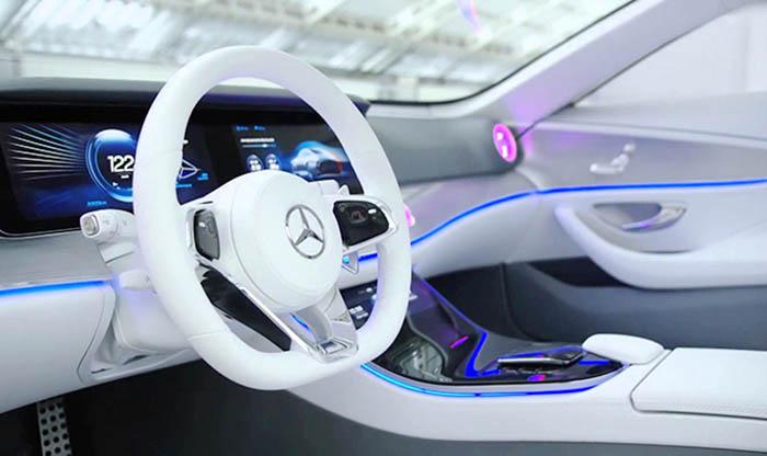 Mercedes IAA konseptinin kabini