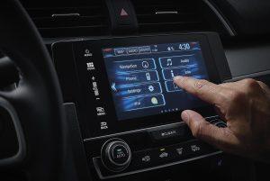 yeni-honda-civic-sedan-multimedya-ekrani