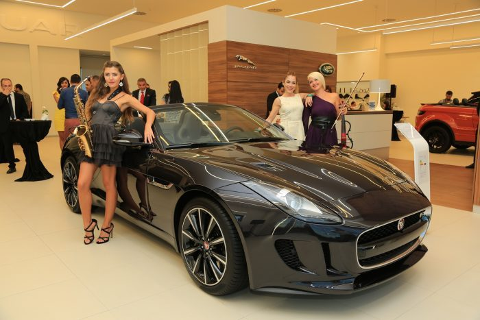 borusan-oto-adana-mersin-jaguar-land-rover-yeni-konsept-showroom-1