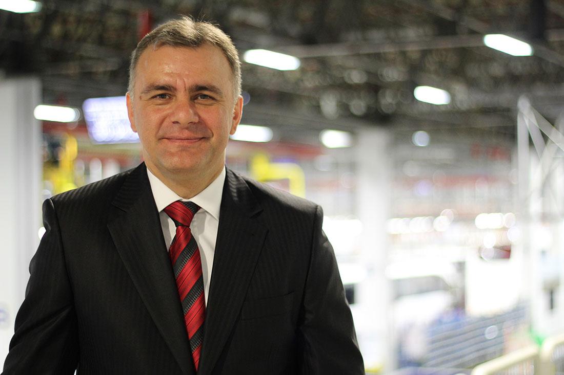 Mercedes Benz Türk Otobüs fabrikası müdürü Bülent Acicbe oldu.