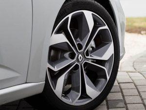 renault-megane_sedan-2017-800-46