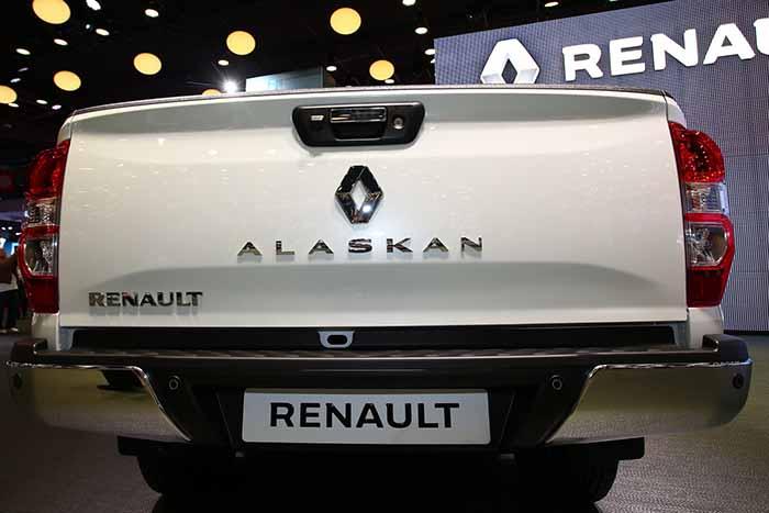 renault-alaskan_-paris-auto-show_03