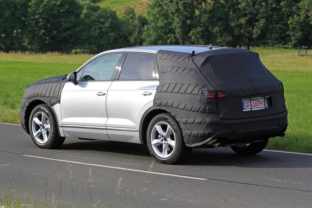 Volkswagen Touareg kamuflajlı yakalandı