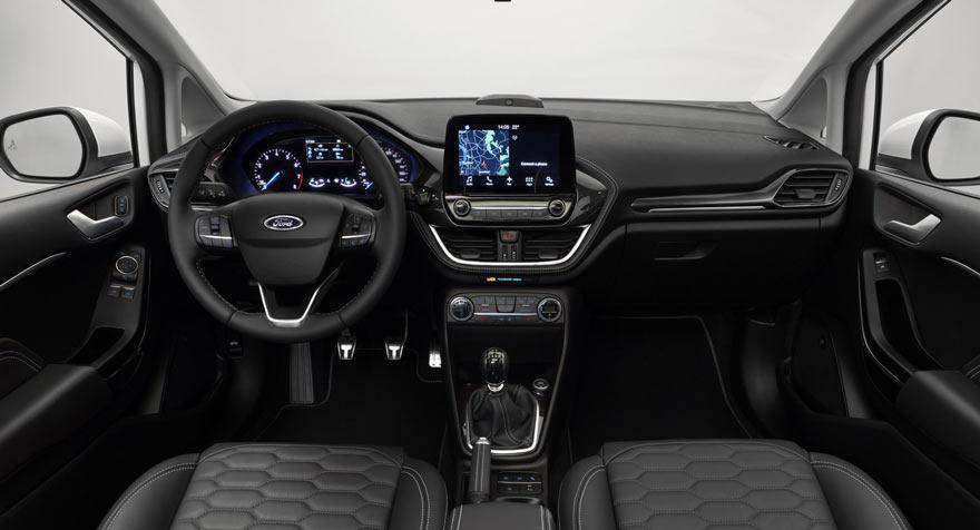 2017 Ford Fiesta'nın kokpiti
