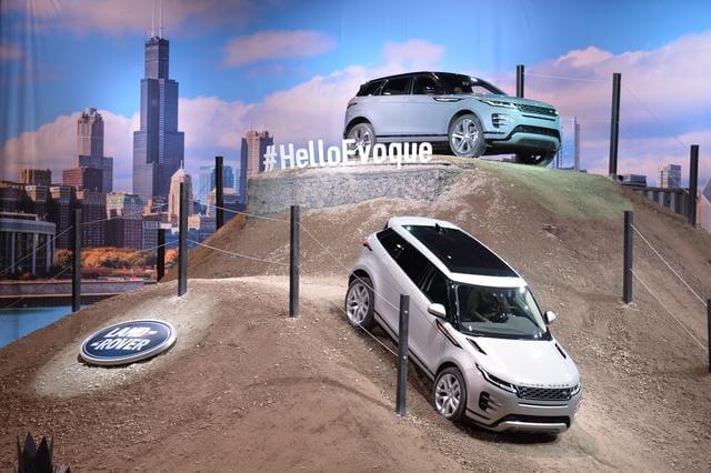 Land Rover Chicago >> Yeni Range Rover Evoque 2019 Chicago Auto Show Da Sahneye Cikti