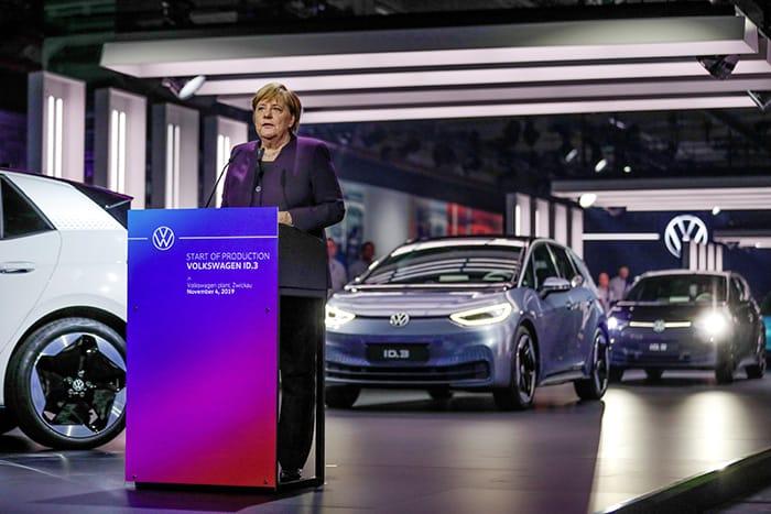 Elektrikli-VW-ID3-Merkelle-işe-başlamıştı