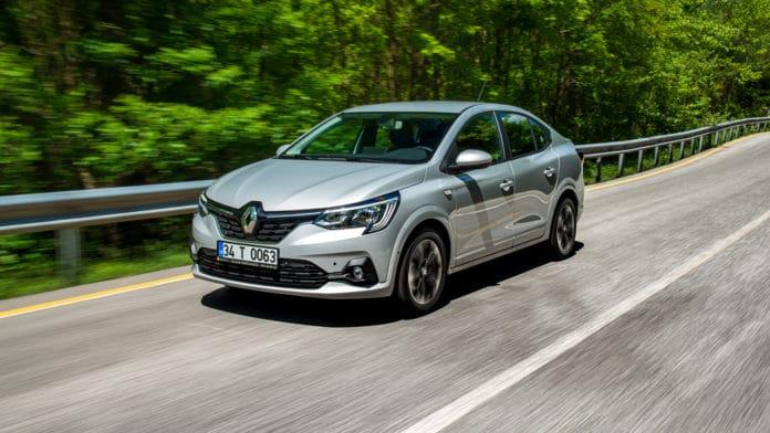 Renault Taliant yolda