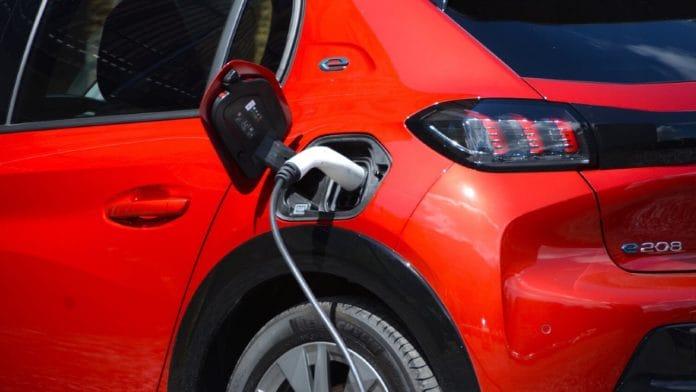 nisan 2021 elektrikli otomobil satışları