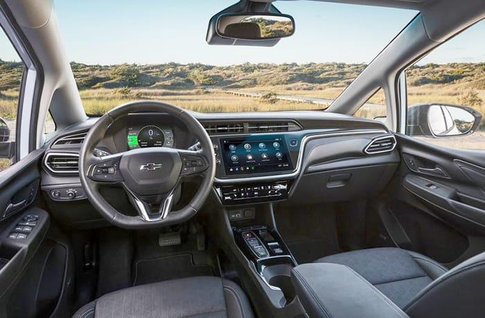 Elektrikli-Chevrolet-Bold-kokpit